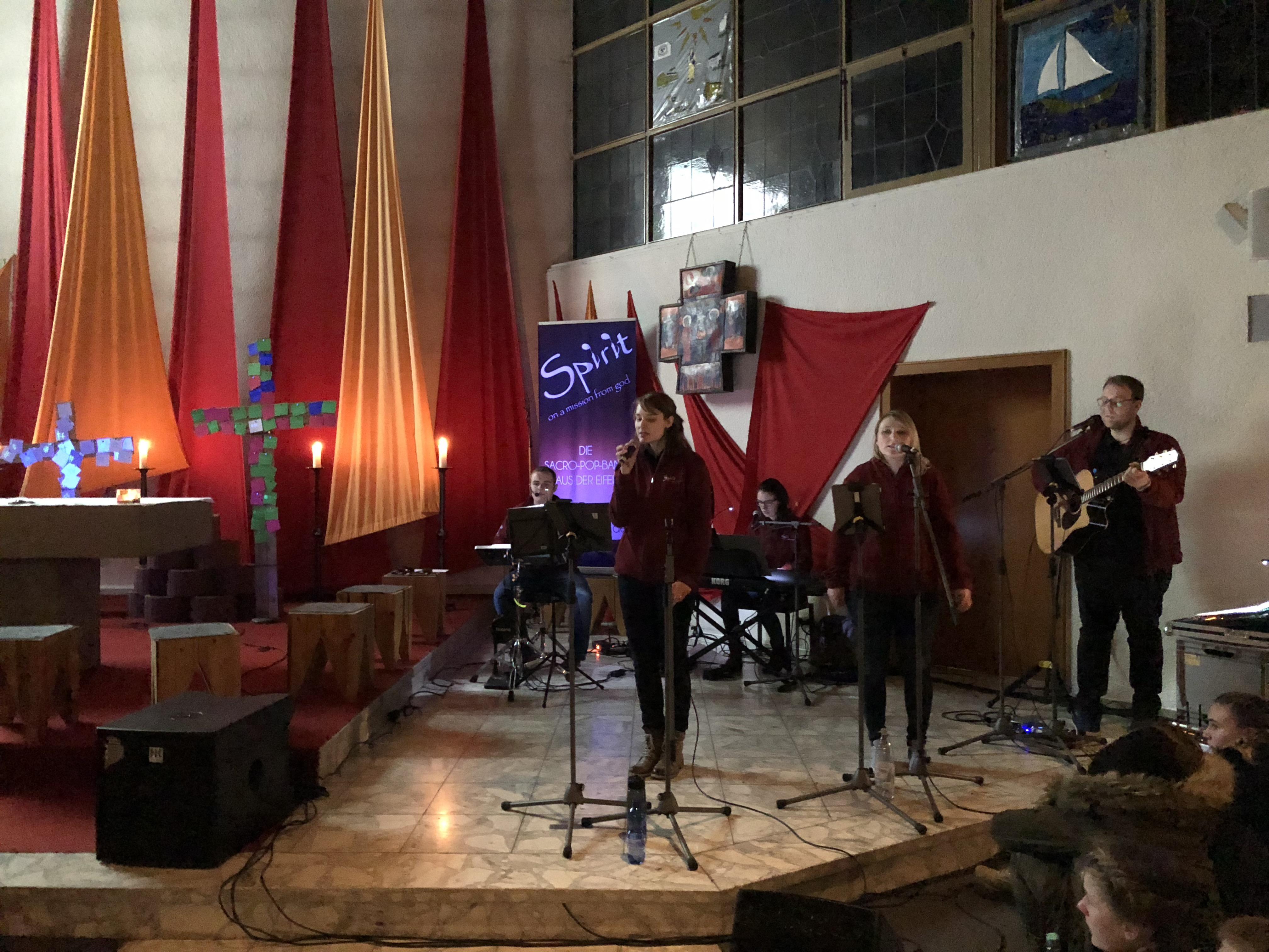 Bilder - Kreuzweg - der - Jugend - Urft - Jugendkirche - 5