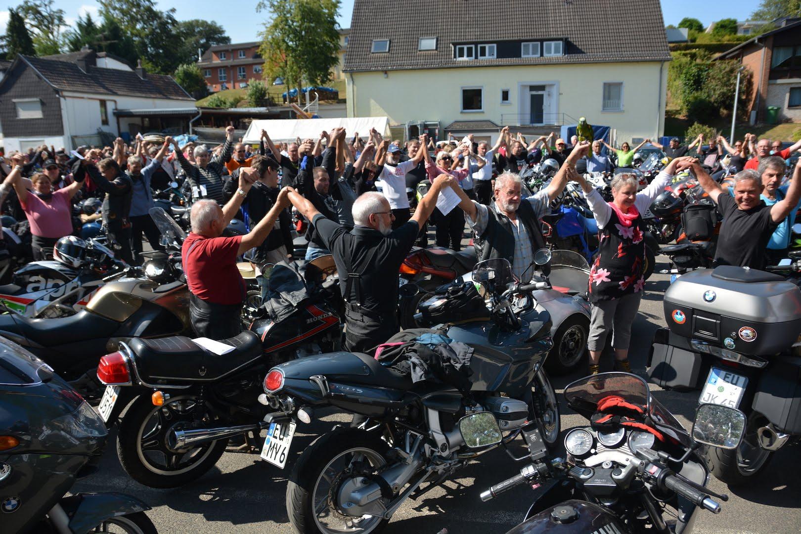 Bilder - Motorradgottesdienst - Breitenbenden -Gottesdienst_Spirit